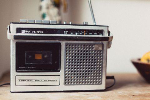 Electronic device, Technology, Electronics, Bowl, Radio, Machine, Still life photography, Mixing bowl, Cassette deck,