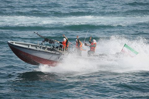 Watercraft, Recreation, Water, Water resources, Leisure, Boating, Boat, Outdoor recreation, Speedboat, Tourism,