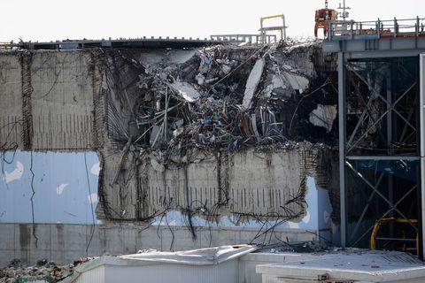 Demolition, Metal, Building material, Waste, Iron, Earthquake, Pollution, Steel, Scrap,