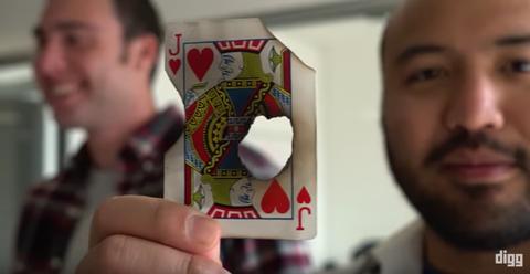 Here's How Magic Tricks Short-Circuit Your Brain