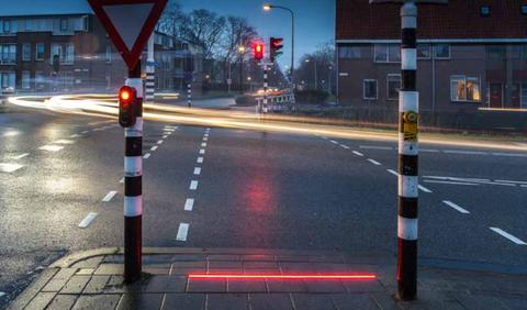 Road, Lighting, Infrastructure, Road surface, Street, Lane, Asphalt, Urban area, signaling device, Street light,