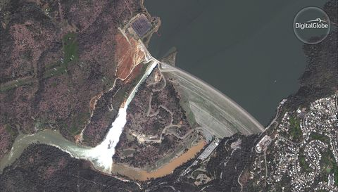 If California Dam Failed, People Would Likely Be Trapped