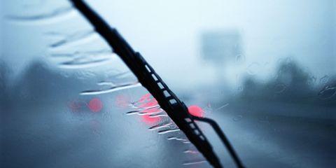 Mode of transport, Glass, Liquid, Fluid, Windshield, Reflection, Atmospheric phenomenon, Automotive mirror, Tints and shades, Automotive window part,