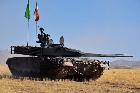 Tank, Combat vehicle, Vehicle, Military vehicle, Self-propelled artillery, Military, Mode of transport, Churchill tank, Armored car, Army,