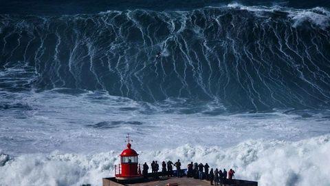 Wave, Wind wave, Water, Storm, Geological phenomenon, Ocean, Sea, Tide, Tsunami, Sky,