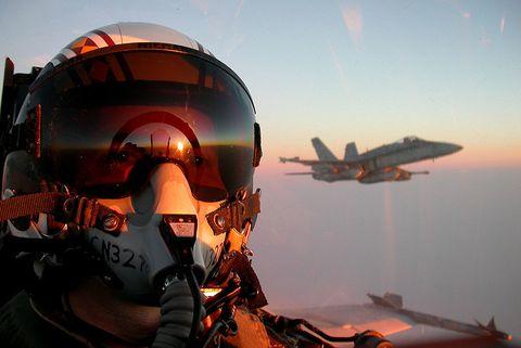 Airplane, Fighter pilot, Aircraft, Air force, Vehicle, Aerospace engineering, Helmet, Aviation, Screenshot, Military aircraft,