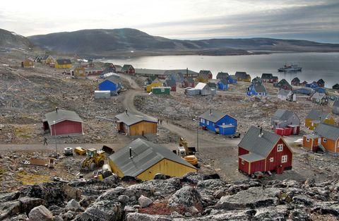 Waste, Mountain, Landscape, Coast, Fell, Geological phenomenon, Village, Litter, House, Hill,