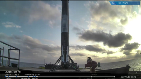 spacex-falcon9-landed.jpg