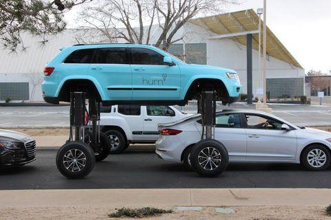 Land vehicle, Vehicle, Car, Automotive tire, Tire, Automotive design, Luxury vehicle, Compact sport utility vehicle, Sport utility vehicle, Rim,
