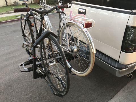 Land vehicle, Bicycle, Vehicle, Bicycle wheel, Motor vehicle, Bicycle accessory, Tire, Bicycle frame, Spoke, Bicycle fork,