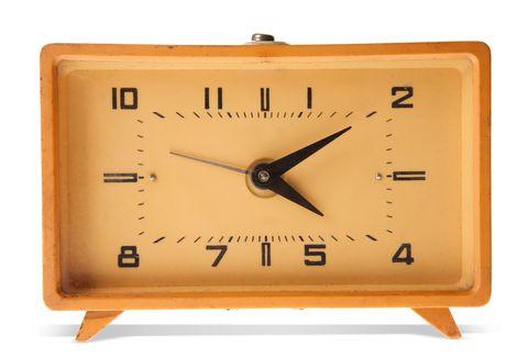 Clock, Wall clock, Alarm clock, Digital clock, Home accessories, Technology, Furniture, Interior design, Quartz clock,
