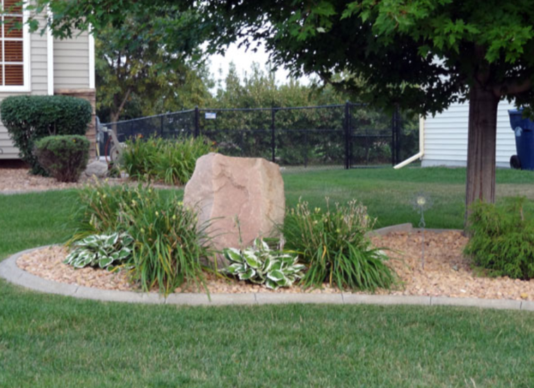 Landscapers Often Add Edging Around Flower Gardens, The House Foundation,  And Sometimes Sidewalks And Driveways. Installing The Edging In Curves  Rather Than ...