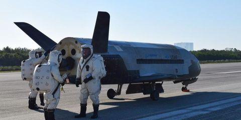 x-37-air-force-space-shuttle.jpg