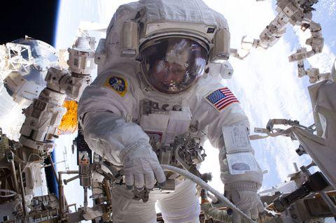 peggy-whitson-spacewalk.jpg