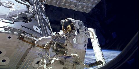 spacewalk-astronaut.jpg