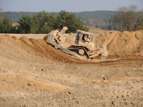 Caterpillar Bulldozers Are Leading the Fight Against the Islamic State