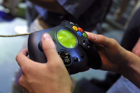 that big old clunker of an xbox controller is back