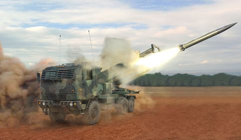 Vehicle, Self-propelled artillery, Missile, Combat vehicle, Mode of transport, Pc game, Military vehicle, Tank, Military, Dust,