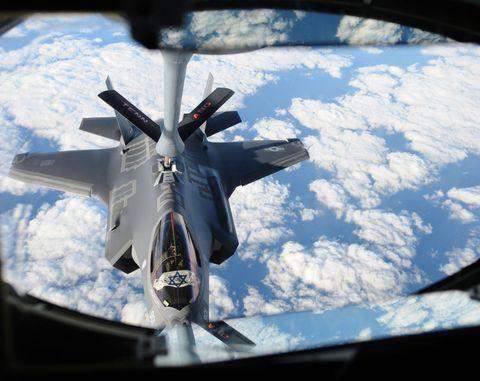 Airplane, Vehicle, Lockheed martin f-22 raptor, Aircraft, Military aircraft, Mcdonnell douglas f-15e strike eagle, Fighter aircraft, Lockheed martin f-35 lightning ii, Mcdonnell douglas f-15 eagle, Air force,