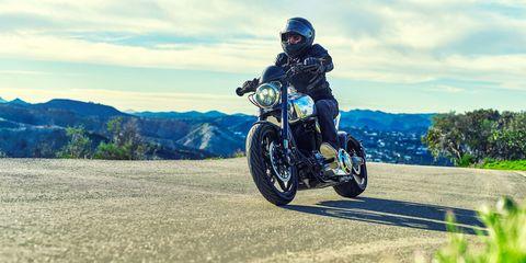 Land vehicle, Motorcycle, Vehicle, Motorcycling, Motorcycle racing, Motocross, Sky, Racing, Extreme sport, Motorsport,
