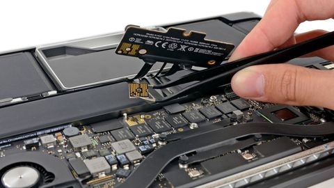 Electronics, Technology, Smartphone, Gadget, Electronic device, Mobile phone, Laptop, Personal computer hardware, Computer hardware, Electronic instrument,