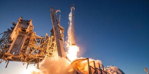 spacex-launch-inmarsat-5.jpg