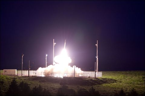 Atmosphere, Atmospheric phenomenon, Street light, Pollution, Electricity, Space, Rocket, Spacecraft, Midnight, Missile,