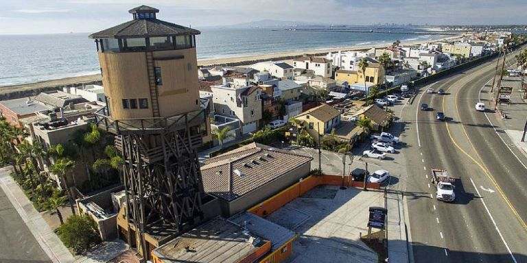 You Can Rent This Converted Water Tower House for Your Next Beach Vacation