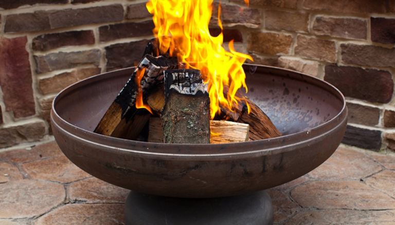 6 Best Fire Pits For Warming Up Your Backyard