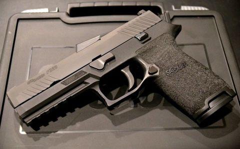 Firearm, Gun, Trigger, Gun accessory, Airsoft gun, Gun barrel, Starting pistol, Everyday carry, Airsoft, Air gun,