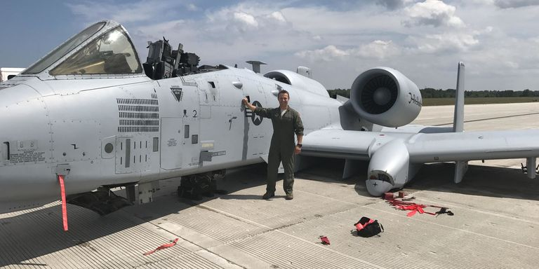 U.S. Airman Forced to Belly-Land A-10 Warthog After Canopy ...