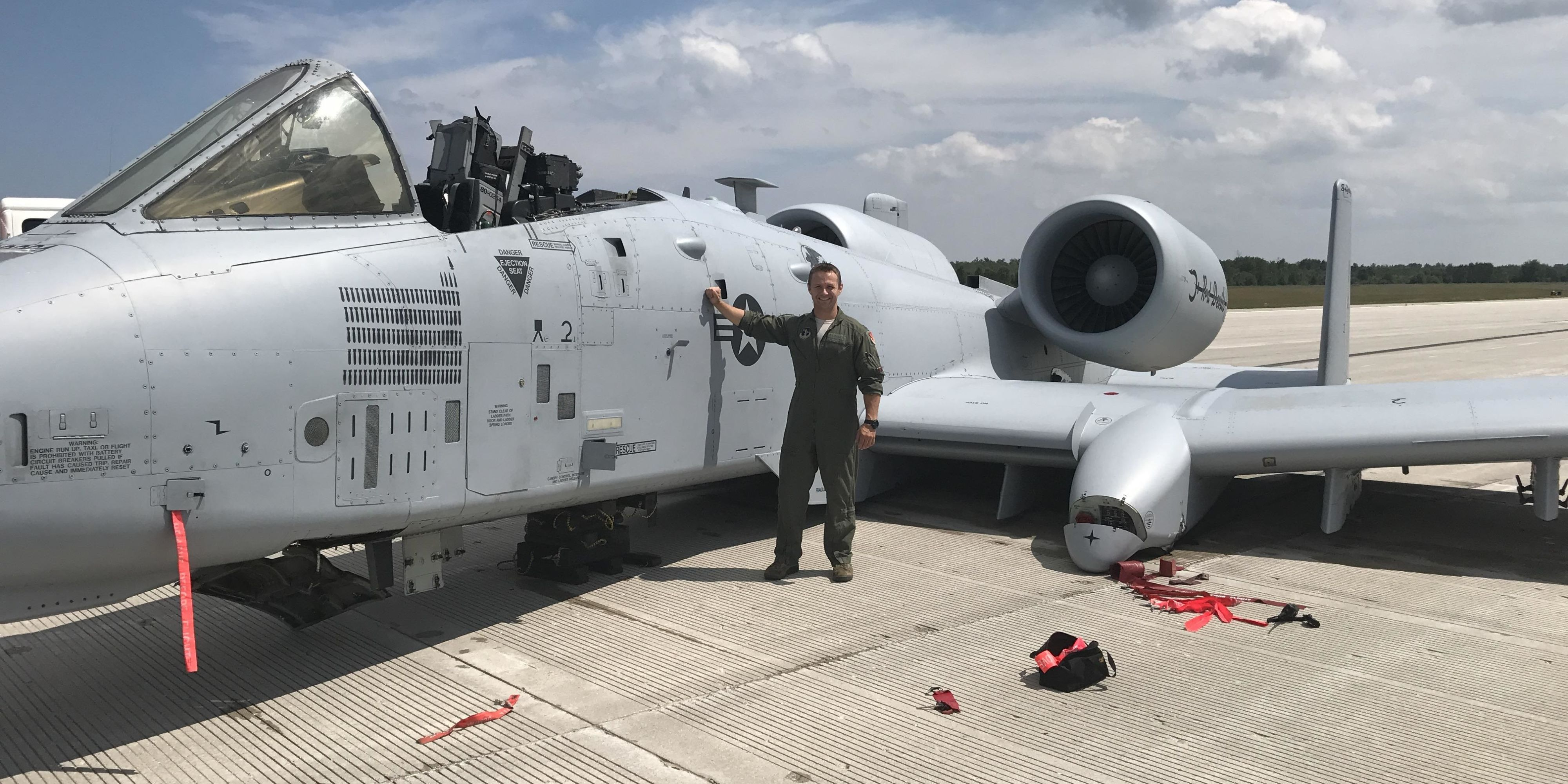 U.S. Airman Forced to Belly-Land A-10 Warthog After Canopy Blows Landing Gear Fails & U.S. Airman Forced to Belly-Land A-10 Warthog After Canopy Blows ...