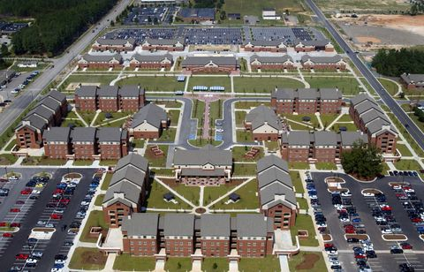 Residential area, Suburb, Urban design, Bird's-eye view, Urban area, Aerial photography, Human settlement, Metropolitan area, Public space, Neighbourhood,