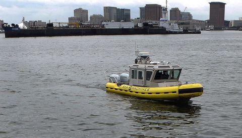 Water transportation, Vehicle, Boat, Tugboat, Watercraft, Mode of transport, Channel, Pilot boat, Ship, City,