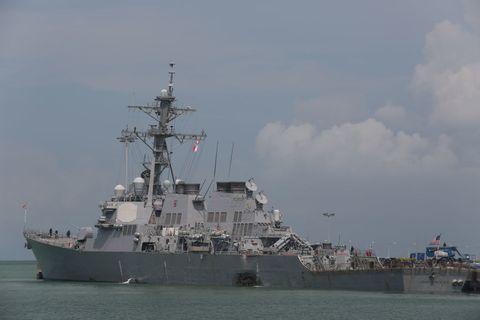 Vehicle, Warship, Naval ship, Ship, Battleship, Destroyer, Guided missile destroyer, Navy, Heavy cruiser, Boat,