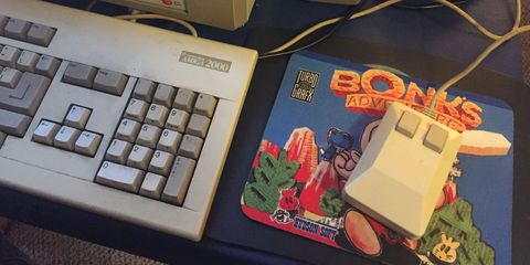 Equipo de oficina, Dispositivo electrónico, Tecnología, Gadget, Dispositivo de entrada, Sistema de entretenimiento Nintendo, Teclado de computadora, Electrónica, Sistema de entretenimiento Super nintendo, Consola de videojuegos,