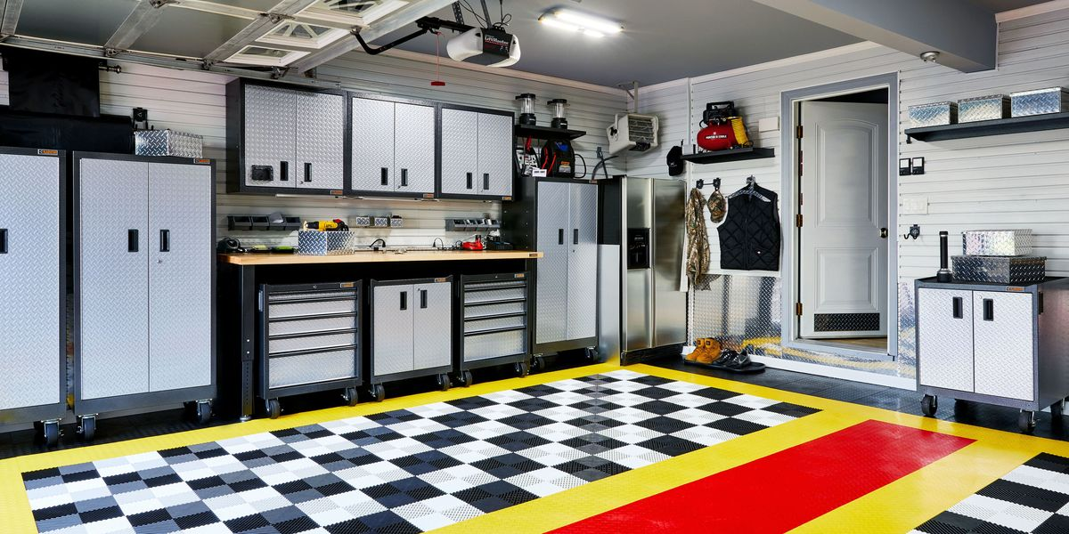 How to build a garage workspace diy garage reno for Garage 2000 montreuil