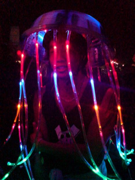 9 diy halloween costumes best last minute homemade halloween this jellyfish costume is best seen at night or in the dark but its tentacles will grab the eyes of onlookers anytime during halloween solutioingenieria Gallery