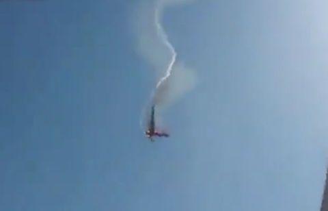 Air show, Sky, Aerobatics, Geological phenomenon, Atmosphere, Cloud, Smoke, Vehicle, Airplane, General aviation,