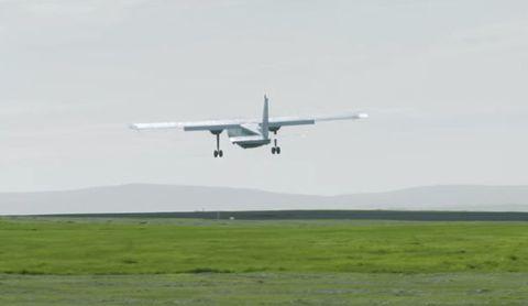 Aircraft, Aviation, Vehicle, Airplane, Flight, Takeoff, Propeller-driven aircraft, Air travel, Landing, Light aircraft,