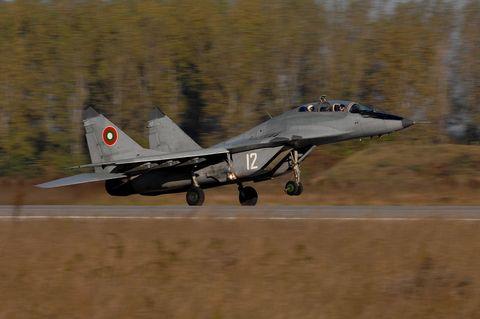 Aircraft, Vehicle, Airplane, Military aircraft, Aviation, Fighter aircraft, Air force, Flight, Jet aircraft, Mikoyan mig-29,