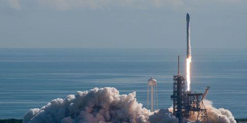 spacex-otv5-launch.jpg