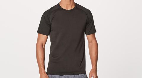 T-shirt, Clothing, Black, Sleeve, Neck, Top, Pocket, Active shirt, Muscle, Font,