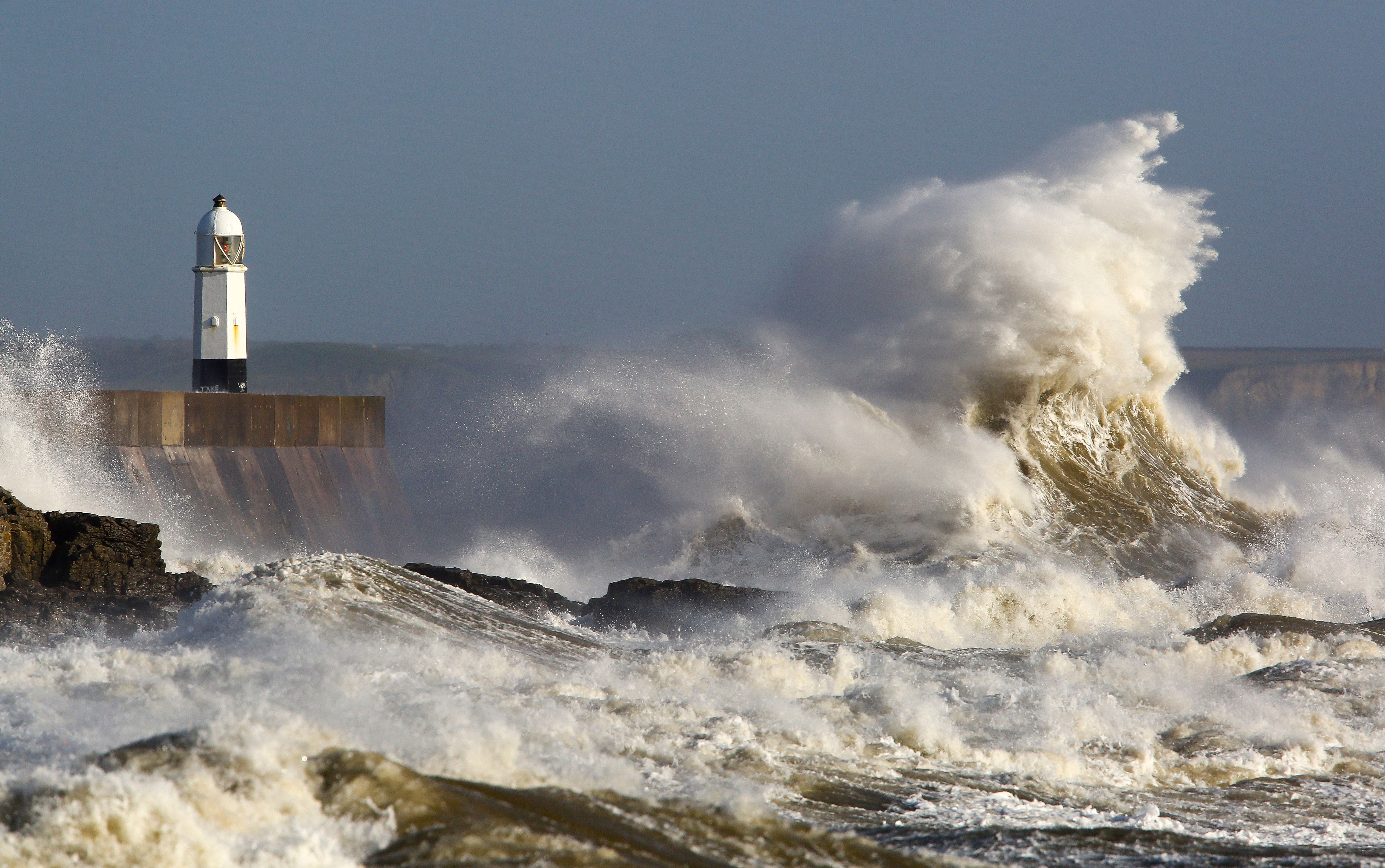 Wave Powered Water Pumps Could Be e a New Source of Clean Energy