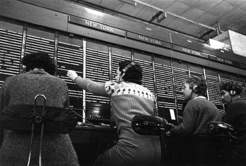1940 phone operator