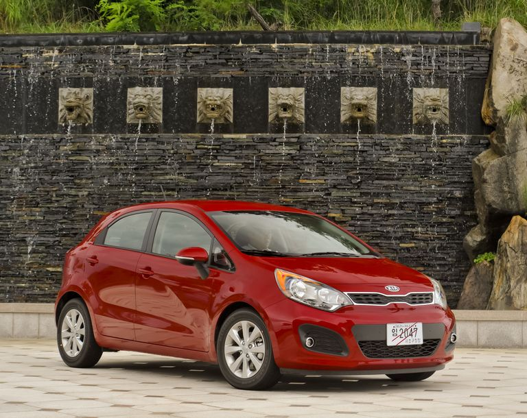 2012 kia rio5 test drive aggressive new styling more power and tight handling make kias all new rio5 subcompact great fun to drive plus new efficiency boosting tech means that fandeluxe Image collections