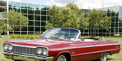 Vehicle, Automotive design, Automotive parking light, Car, Classic car, Hood, Automotive exterior, Classic, Vehicle door, Bumper,