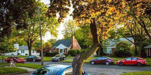 Wheel, Tire, Land vehicle, Vehicle, Car, Automotive design, Leaf, House, Automotive parking light, Automotive lighting,