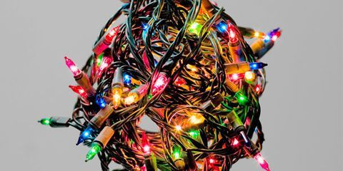 How to Put Up Christmas Lights: 7 Essential Tips and Looks