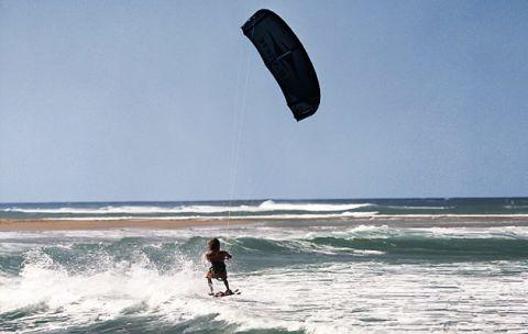 Wakeboard kite
